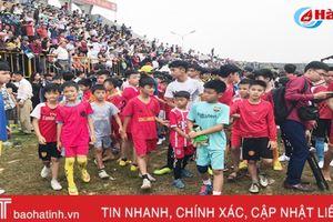 4.000 nam thiếu niên Hà Tĩnh tham gia tuyển sinh vào PVF