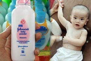 Phấn rôm trẻ em Johnson & Johnson thua kiện vì có chứa chất gây ung thư khiến các bà mẹ hoang mang
