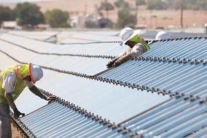 Năng lượng mặt trời: Cờ đã đến tay