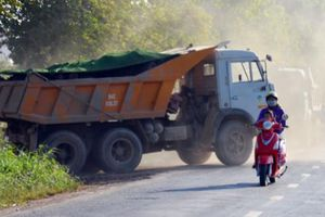 Clip: Rầm rộ 'xẻ thịt' đất ruộng giữa thành phố ở Bạc Liêu