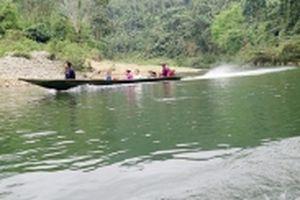 Ngược sông Giăng