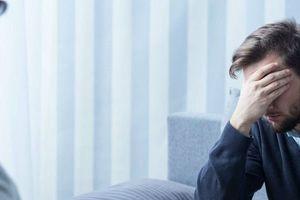 Trầm cảm sau cưới: Chồng lao đao vì vợ xinh đẹp có những biểu hiện lạ