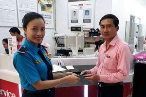 Nhân viên Lotte Mart trả hơn 70 triệu đồng thất lạc cho khách