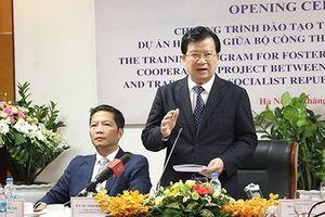 Samsung bắt đầu đào tạo 200 chuyên gia giúp Việt Nam