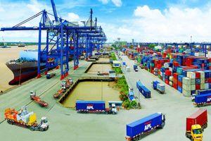 Khó khăn 'chồng chất' khó khăn, đâu là giải pháp cho ngành logistics Việt Nam?