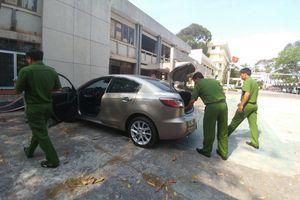 Khám nghiệm ô tô kéo lê nạn nhân 2km ở Vũng Tàu rồi bỏ trốn