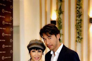 Tô Chấn Phong: 'Khánh Hà vợ tôi hơn tôi 13 tuổi, chứ không phải 20!'