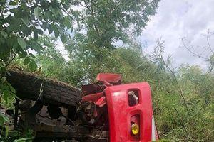 Kon Tum: Xe tải lật xuống vực sâu, khiến 1 người tử vong
