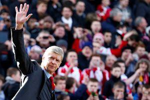 Wenger dừng lại, để Arsenal tiến lên
