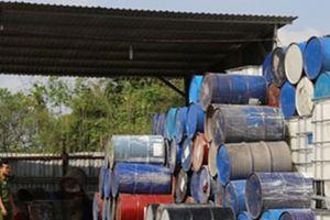 Bình Dương: Hàng tấn chất thải công nghiệp nguy hại bị phát hiện