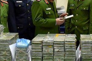Thu giữ 11 kg ma túy, 5 tỷ đồng và 'hàng nóng' trong đường dây ma túy