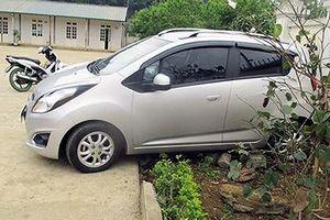 Ủy ban ATGT cấm dừng đỗ xe ô tô trong giờ học tại sân trường
