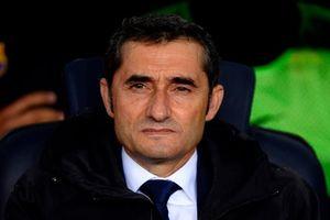 Công bằng nào cho HLV Valverde?