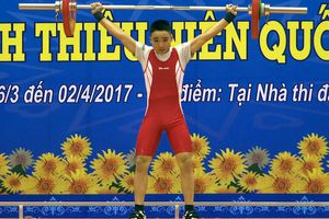 Lực sĩ Đỗ Tú Tùng lập hat-trick HCV châu Á, phá kỷ lục U17 thế giới