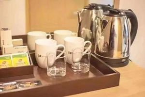 Kinh hoàng: Du khách giặt đồ lót trong… ấm siêu tốc của khách sạn