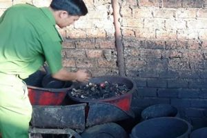 Vụ trộn vỏ cà phê với lõi pin: Bắt khẩn cấp 5 đối tượng liên quan
