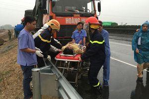 Ô tô đâm nhau trên cao tốc Pháp Vân, 3 người thương vong