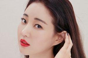 Hoa hậu Hàn Quốc Kim Sa Rang bị gãy chân do tai nạn ở Ý