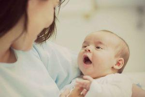 Đây là cách đơn giản để mẹ không bị căng tức ngực khi cho con cai sữa