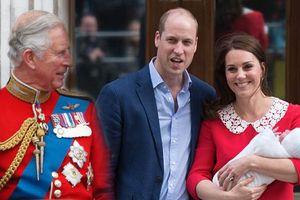 Vì sao Thái tử Charles vẫn chưa đến thăm cháu nội mới sinh?