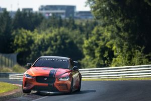 Siêu sedan 600 mã lực của Jaguar sắp ra mắt