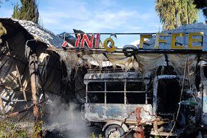 Hỏa hoạn thiêu rụi quán cà phê và hơn 10 xe cổ ở hồ Tuyền Lâm