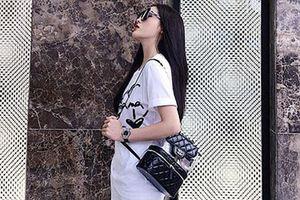 Kỳ Duyên, Mai Phương Thúy mê mẩn mẫu ba lô Chanel gần 100 triệu đồng