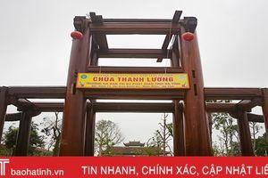 Đã mắt xem nghệ nhân làm cổng Tam quan 'chưa từng thấy ở nước ta'