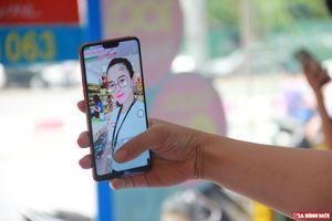 Trên tay OPPO F7: Giá dưới 8 triệu đồng, camera Selfie 25 MP, mở khóa bằng khuôn mặt