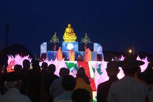 25 ngàn hoa đăng tỏa sáng trên sông Hương