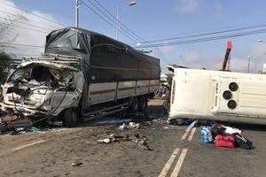 Xe khách va chạm xe tải trên quốc lộ 20, 1 người chết, 9 người bị thương