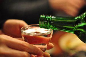 Bị ép rượu trong ngày họp lớp, nam sinh cận kề cái chết, phải bỏ bao ước mơ còn dang dở