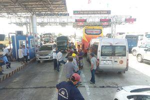 Trạm thu phí Ninh Lộc liên tục xả trạm vì bị phản đối