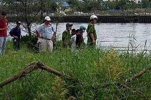 Thi thể thanh niên có hình xăm trôi dưới kênh ở Cà Mau