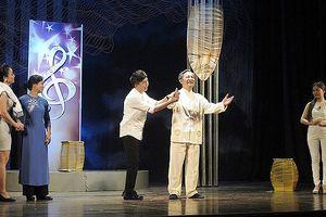 Quang Tèo, Vượng râu lưu diễn cùng vở 'Dưới ánh đèn'