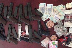 Trung úy công an đột nhập kho vũ khí trộm hàng loạt súng mang bán