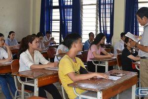 Mời Giáo sư Nguyễn Minh Thuyết trực tiếp hỗ trợ giáo viên về chương trình mới