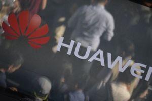 Mỹ cấm dùng điện thoại Huawei, ZTE của Trung Quốc trong căn cứ quân sự