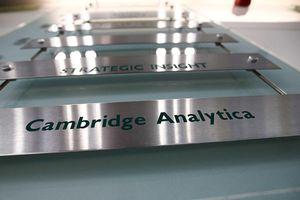 Cambridge Analytica xin phá sản sau vụ bê bối dữ liệu Facebook