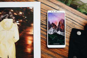 Redmi 5 Plus 'cháy' suất đặt trước, FPT Shop tung thêm khuyến mãi