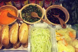 Tan chảy với bánh mì thịt nướng bơ Campuchia 'thần thánh' nổi tiếng đất Bình Dương