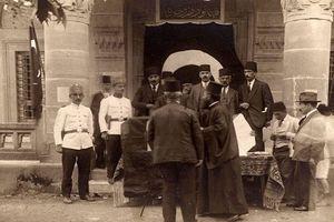 Cuộc sống thành phố nối liền hai lục địa Á-Âu thập niên 1920