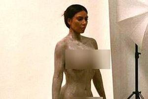 Kim Kardashian bị chỉ trích vì đăng quá nhiều ảnh nude