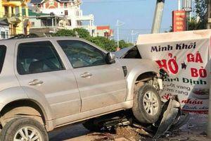 Quảng Ninh: Ô tô kéo lê xe máy trên đường, 1 phụ nữ tử vong
