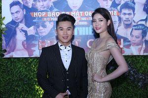Lương Thanh Hằng gợi cảm chúc mừng Du Thiên ra mắt phim ca nhạc