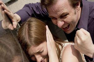 Chồng đánh vợ mang thai có bị truy cứu trách nhiệm hình sự không?