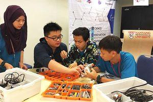 Môn tích hợp Khoa học ở trường trung học được triển khai từ cách đây nửa thế kỷ