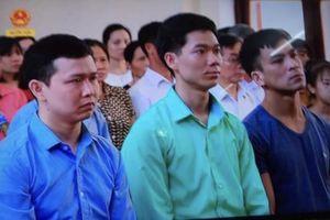 Hoãn xử vụ 8 người tử vong do chạy thận vì luật sư vắng mặt
