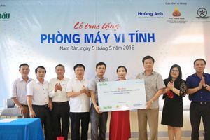 Báo Đấu thầu trao tặng phòng máy tính cho Trường THCS Nam Tân, Nam Đàn