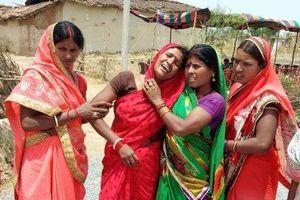 Thêm thiếu nữ bị hiếp dâm rồi thiêu sống ở Ấn Độ